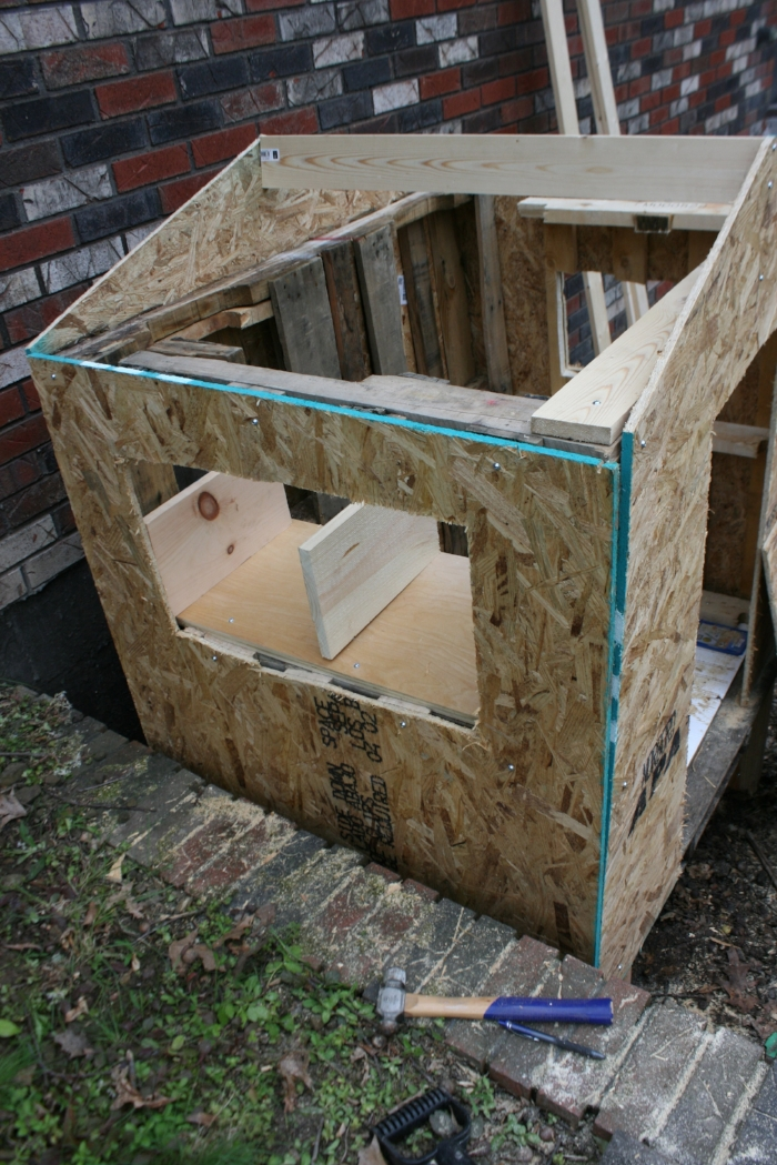 How To Build A Diy Chicken Coop From Pallets Roots