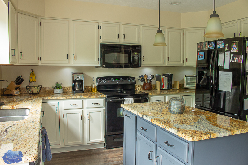 How To Paint Your Kitchen Cabinets White Roots Amp Wings Furniture